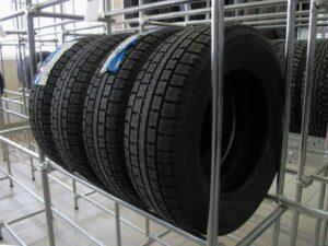 Reifenregale – Reifen sicher stapeln