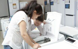 Toplader Waschmaschinen. Bildquelle: Andrey Burmakin / Shutterstock.com